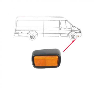 Отражатель (катафот) переднего бампера 06-13 R