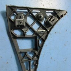 кронштейн переднего бампера прав 06- внешние элементы  для Форд Транзит